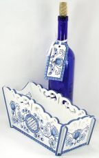 Blue Delft Floral Wine Basket & Gift Tag DOWNLOAD